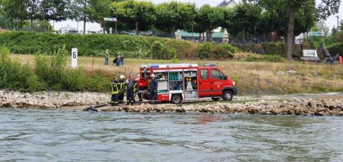 TSF-W Wasserentnahme Rhein per Saugschlauch
